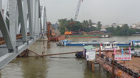 Chùm ảnh: Cầu Ghềnh mới trước ngày thông tàu - 7