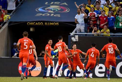 Vật cản lớn nhất với Messi: Thế hệ Vàng của Chile - 3