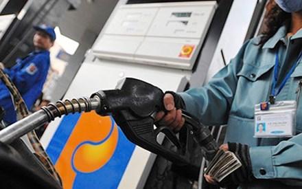 Đề xuất sửa quy định về điều hành giá xăng, dầu - 1