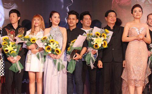 Dương Cẩm Lynh che khéo bụng bầu dự sự kiện - 4