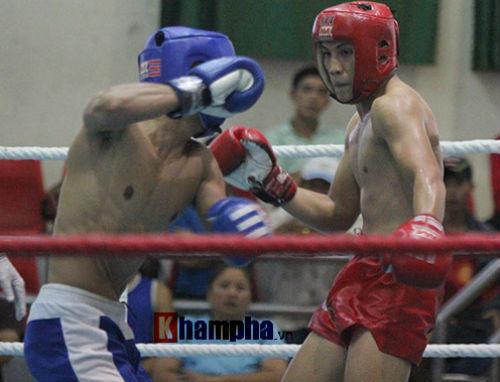 Em trai Duy Nhất vô địch kịch tính trên sàn kickboxing - 2