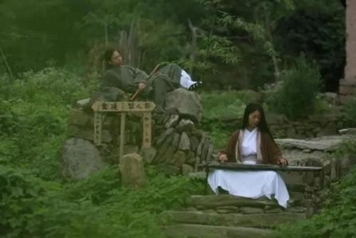 Vợ chồng trẻ sống ẩn dật trên núi như phim kiếm hiệp - 5