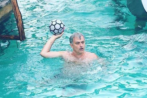 Tin HOT tối 24/6: Mourinho sắp gây sốc kỳ chuyển nhượng - 1