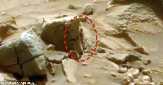 Phát hiện sinh vật giống người trên sao Hỏa? - 1