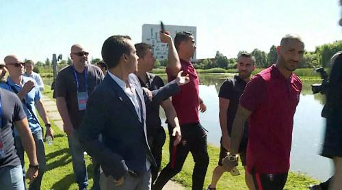 """Lực sĩ Iceland miệt thị Ronaldo là """"lợn con"""" - 3"""