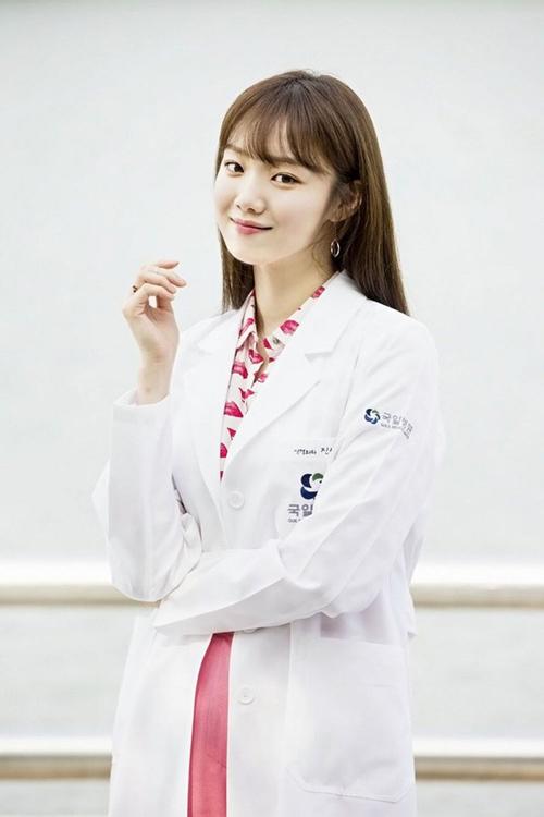Nữ bác sĩ xinh ngất ngây đang hot nhất màn ảnh Hàn - 3