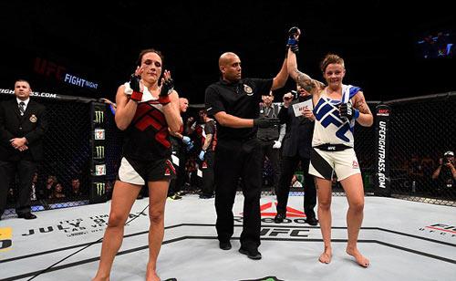 Đả nữ UFC bị đánh bại vì… tuột áo nịt ngực - 2