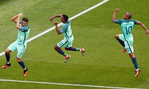 Ronaldo: Nếu anh không là người hùng, thì ai đây? - 1