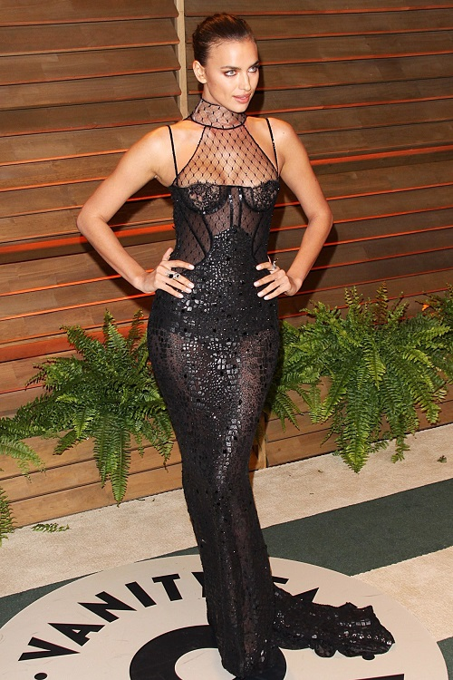 Irina Shayk mặc váy ngủ đi dự tiệc hạng sang - 9