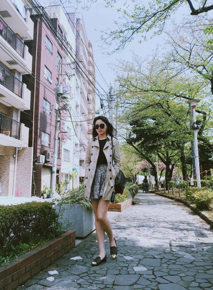 Hoa hậu Kỳ Duyên diện đồ sành điệu đi du lịch - 10