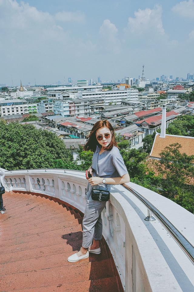 Hoa hậu Kỳ Duyên diện đồ sành điệu đi du lịch - 9