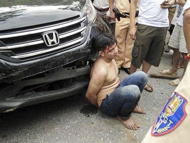 Trộm xế hộp gây tai nạn bị công an tóm gọn - 1