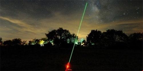 Công an HN nói về đoàn xiếc chiếu tia laser vào máy bay - 1