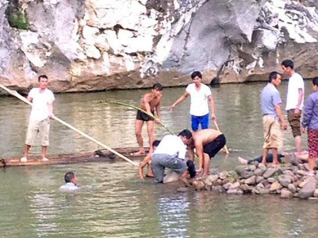 Tắm sông Kỳ Cùng, 4 nữ sinh đuối nước thương tâm - 1
