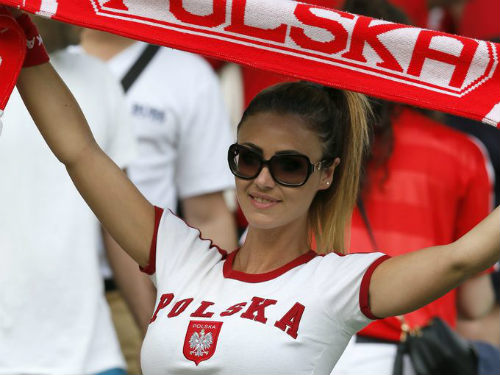 "Ảnh đẹp Euro 25/6: Ronaldo ""hẹn hò"" Lewandowski - 6"