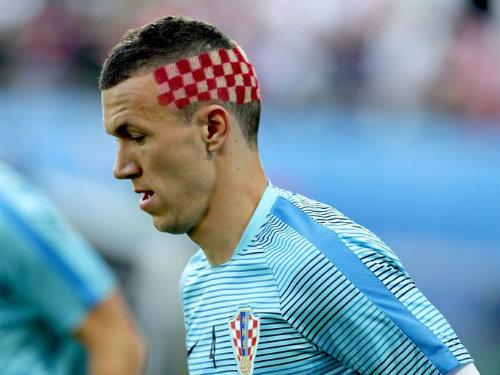 "Ảnh đẹp Euro 25/6: Ronaldo ""hẹn hò"" Lewandowski - 11"