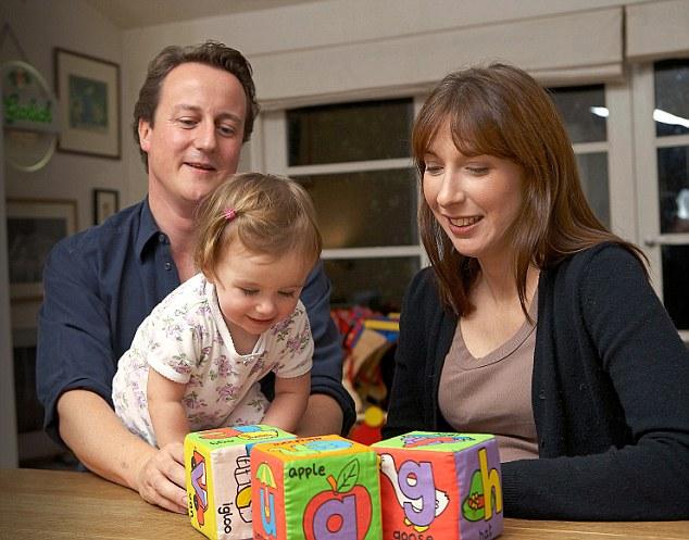 Thủ tướng Anh khóc nức nở sau khi tuyên bố từ chức - 2