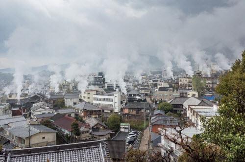 """Khám phá thành phố toàn """"địa ngục"""" nước nóng ở Nhật - 2"""