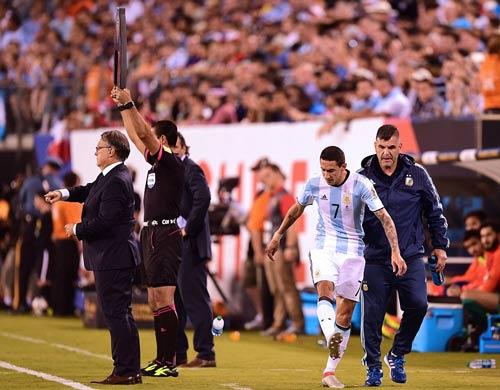Góc ảnh: Nước mắt của Messi ngày Chile đăng quang - 7