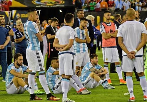 """""""Chiếc áo giáp"""" Argentina và ngày Messi gục ngã - 2"""