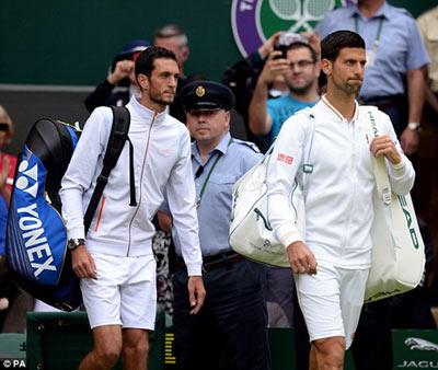 Chi tiết Djokovic - Ward: Đâu lại vào đấy (Vòng 1 Wimbledon) - 3