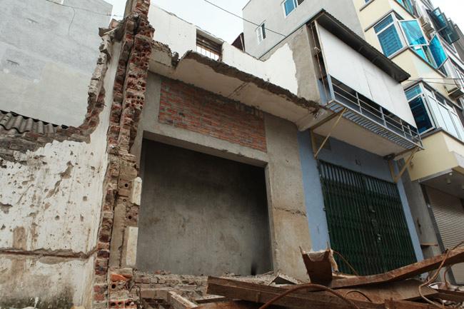 Dãy phố nhà siêu mỏng mọc lên dọc bờ mương ở Hà Nội - 8