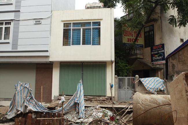 Dãy phố nhà siêu mỏng mọc lên dọc bờ mương ở Hà Nội - 10