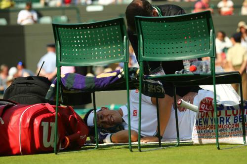 """Wimbledon ngày 1: Hoa khôi Ivanovic """"ngã ngựa"""" - 1"""