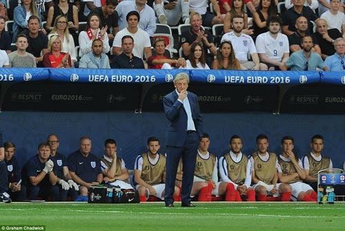 Brexit ở EURO: Cầu thủ Anh đổ gục, fan chết lặng - 10