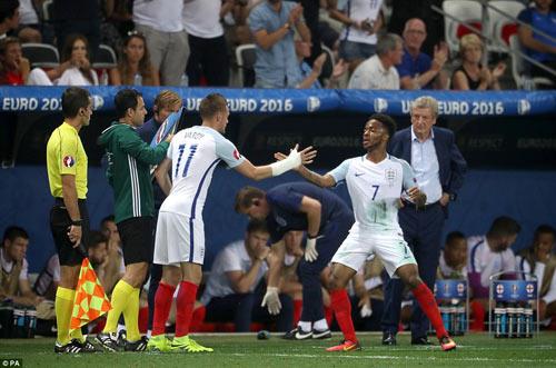Brexit ở EURO: Cầu thủ Anh đổ gục, fan chết lặng - 5
