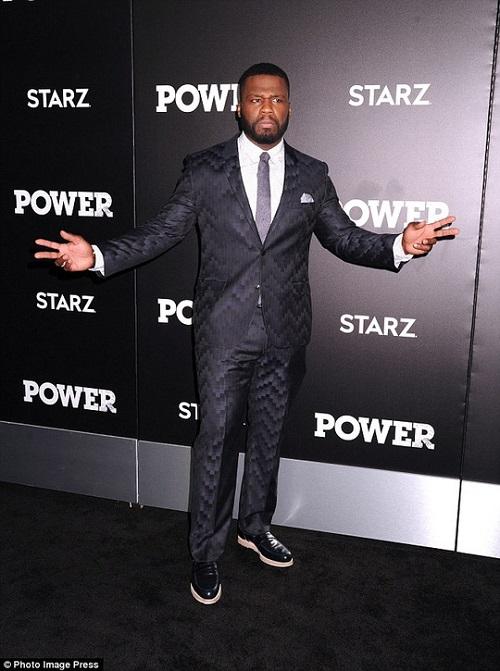 Rapper 50 Cent bị bắt vì hát lời thô tục trên sân khấu - 1