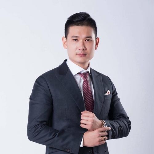Các đại gia trẻ tuổi, tài năng, điển trai của mỹ nhân Việt - 5