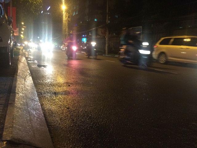 Bị cướp giữa đường, cô gái 25 tuổi ngã trọng thương - 1