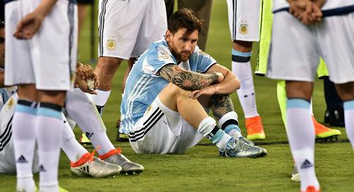 Messi chia tay ĐT Argentina: Khúc bi ca định mệnh - 1