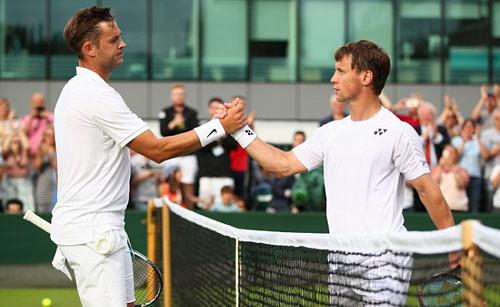 """Wimbledon: Tay vợt vô danh """"đổi đời"""" nhờ người yêu - 2"""