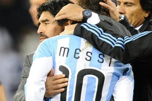 Tổng thống & Maradona xin Messi đừng bỏ ĐT Argentina - 4