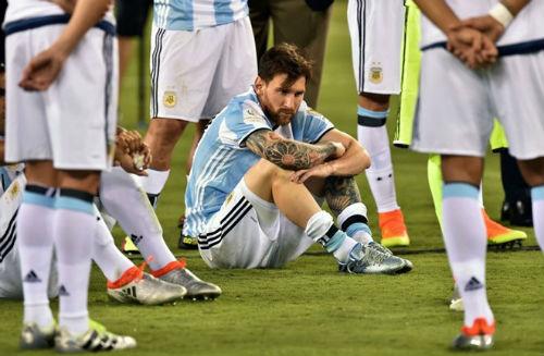 Tổng thống & Maradona xin Messi đừng bỏ ĐT Argentina - 2