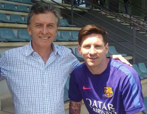 Tổng thống & Maradona xin Messi đừng bỏ ĐT Argentina - 3