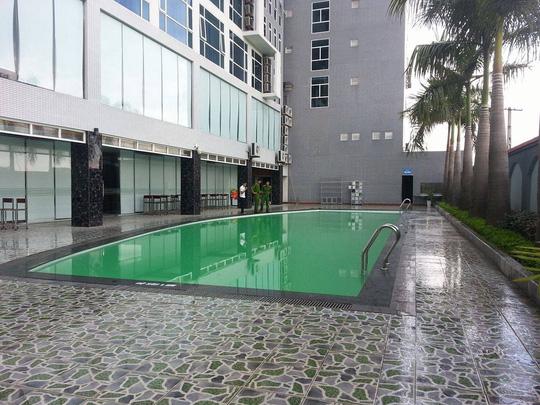 Đi học bơi ở khách sạn, bé trai 9 tuổi tử vong - 1