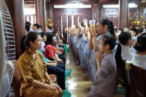 Theo chân trẻ Hà thành lên chùa tham dự khóa tu mùa hè - 1