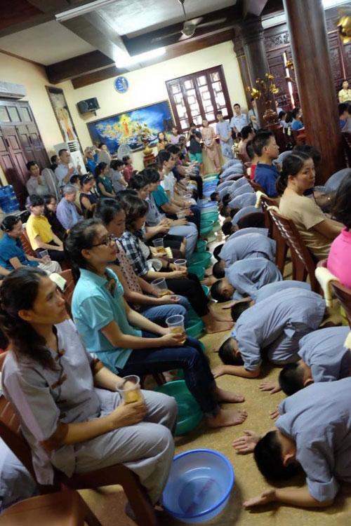 Theo chân trẻ Hà thành lên chùa tham dự khóa tu mùa hè - 13