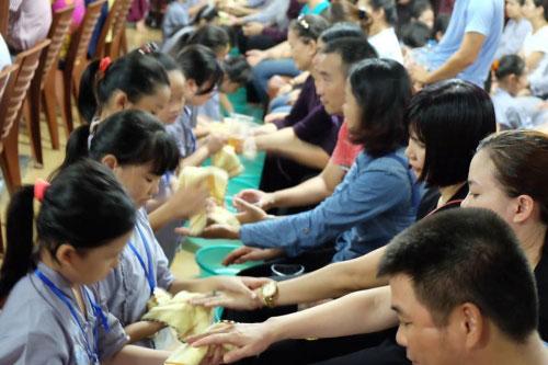 Theo chân trẻ Hà thành lên chùa tham dự khóa tu mùa hè - 14