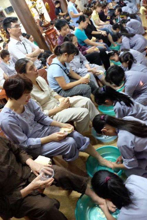 Theo chân trẻ Hà thành lên chùa tham dự khóa tu mùa hè - 15