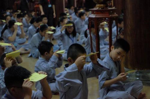 Theo chân trẻ Hà thành lên chùa tham dự khóa tu mùa hè - 8