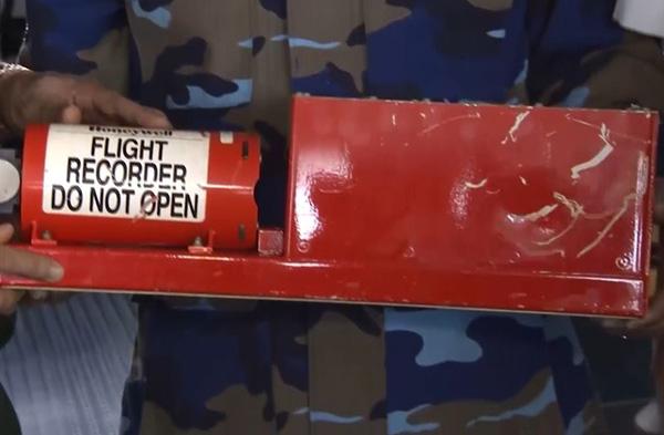 Đang giải mã hộp đen máy bay CASA-212 - 2