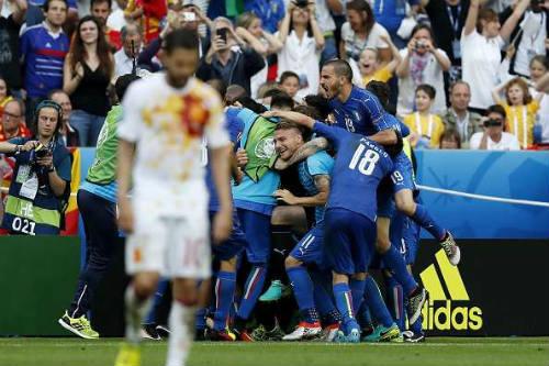 """Sau vòng 1/8 Euro: """"Chiếu dưới"""" lên ngôi và những kỉ lục - 2"""