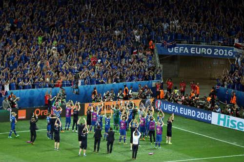 Iceland và câu chuyện tình lãng mạn với Euro 2016 - 1