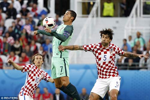 Ronaldo: Võ sĩ đạo cuối cùng & những vai diễn trên sân - 1