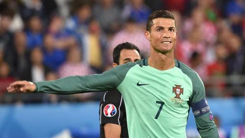 Ronaldo & Lewandowski: Thất thế nhưng vẫn là anh hùng - 1