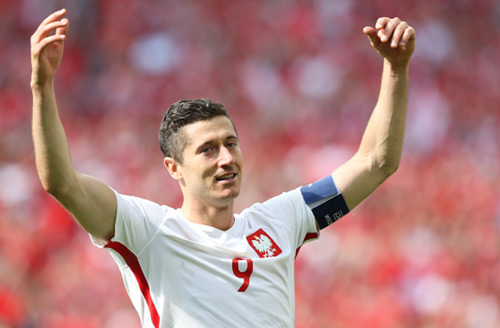 Ronaldo & Lewandowski: Thất thế nhưng vẫn là anh hùng - 2